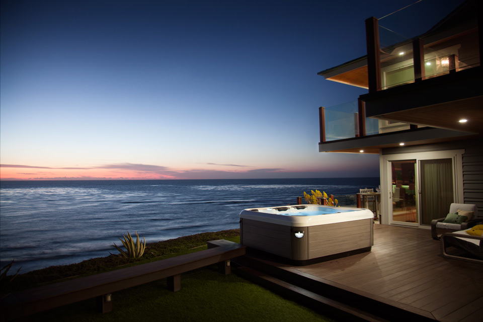 hot-tub-ocean-view-sunset