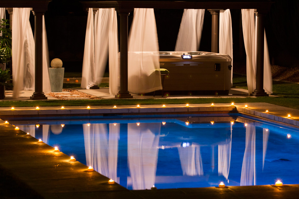 hot-tub-pool-retreat-night